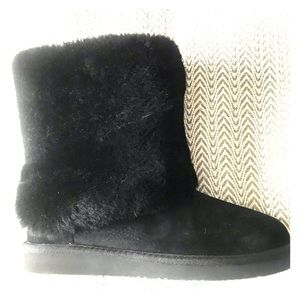 Brand New! Black shearling Ugg boots